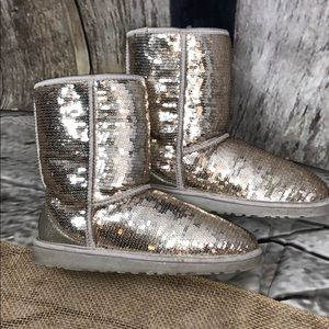 UGG Sequin Sparkling Boots Size 8